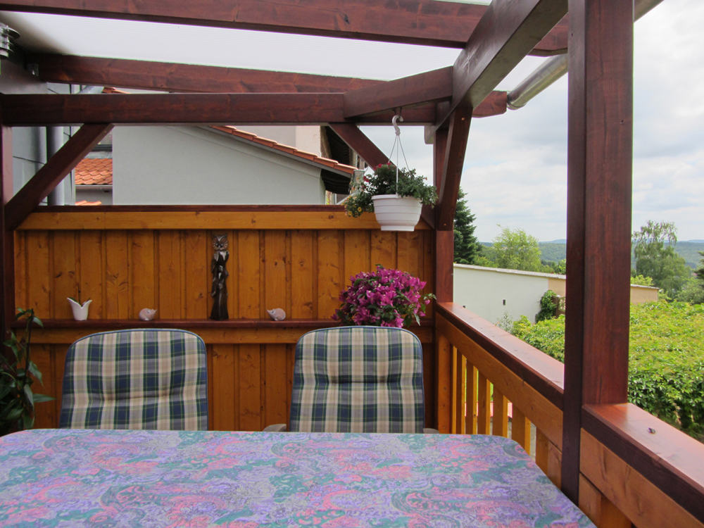 berdachter balkon mit heatstop doppelstegplatten karst holzhaus. Black Bedroom Furniture Sets. Home Design Ideas