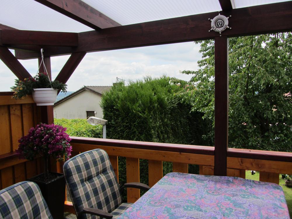 Super Überdachter Balkon mit Heatstop Doppelstegplatten   Karst Holzhaus WZ61