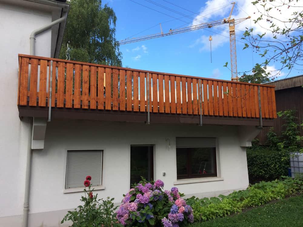 Holzbalkon Balkonrenovierung Karst Holzhaus
